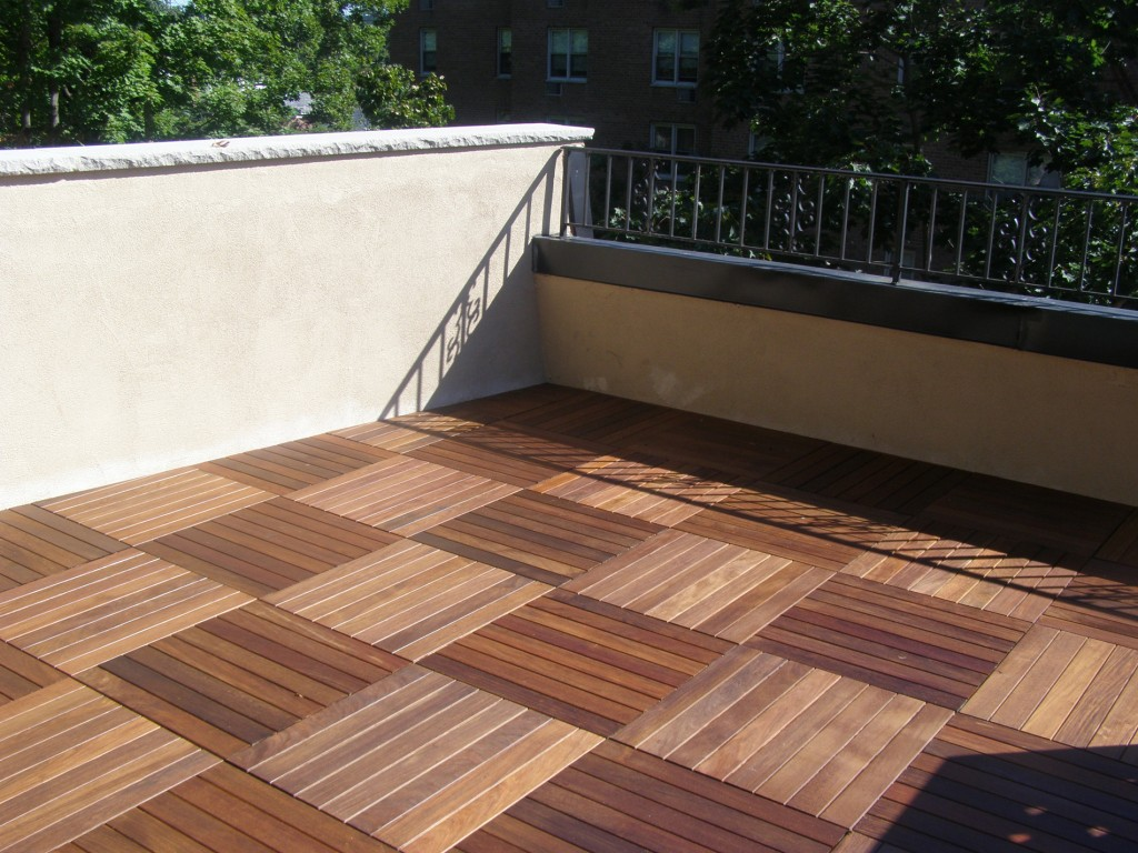 Ipe Wood Tile Decks · Herringbone Pattern With Alternating Colors Of Ipe