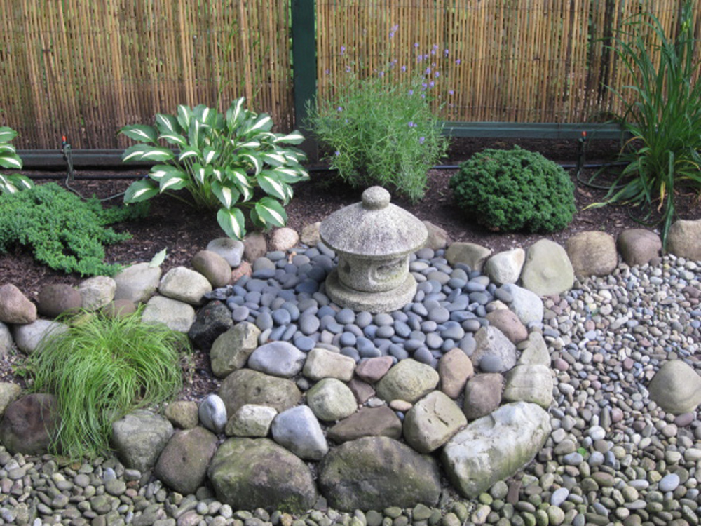 Specialty gardens zen butterfly xeriscape all decked out for Rock landscaping ideas