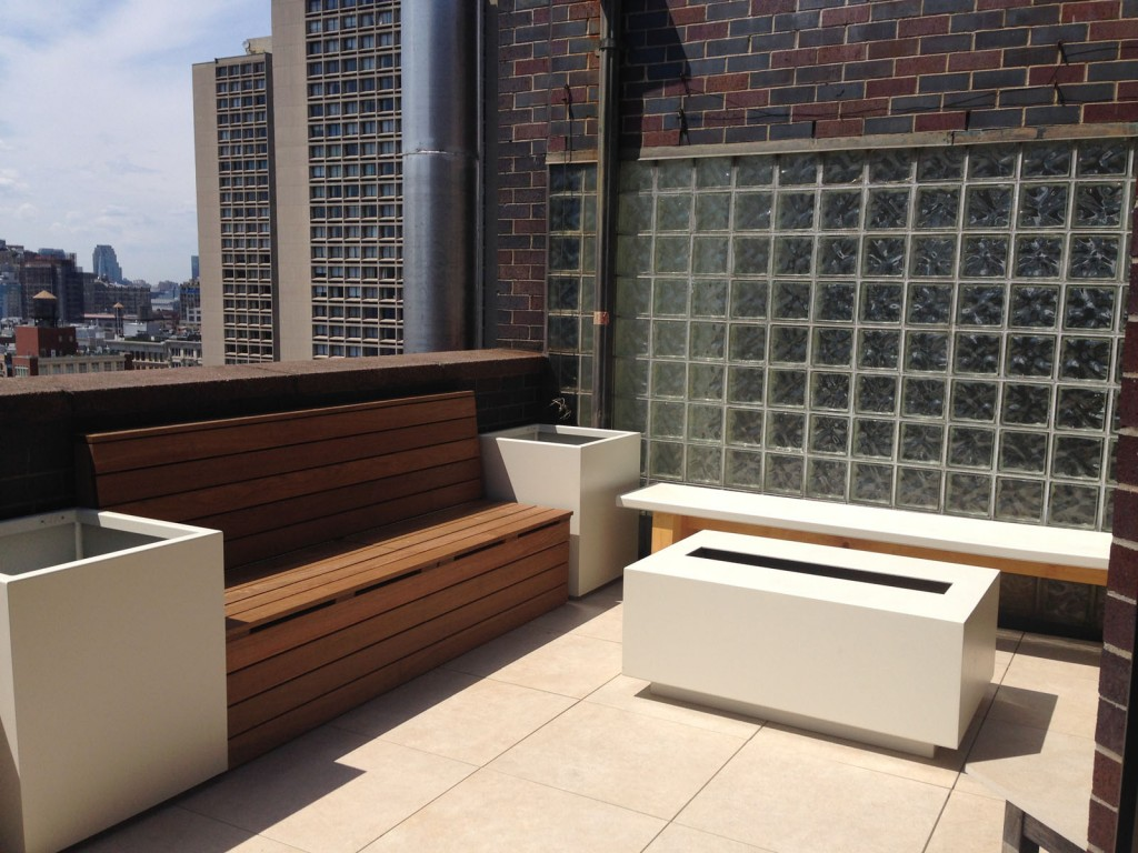 White porcelain deck in Manhattan