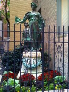 statue-planting-fall-sm